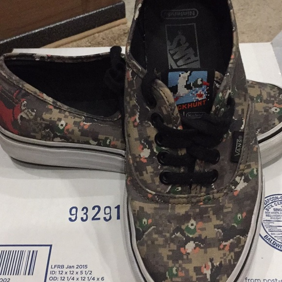 "0d52f94a79 Vans ""Nintendo Duck Hunt"" Game over size 6.5  8. M 5a43072705f43071860766b6"